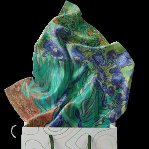 روسری طرح گل های زنبق